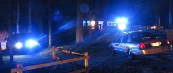 Hasta altas horas de la noche del martes trabajaron los investigadores del GBI en la escena del crimen