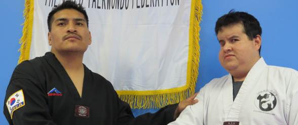 Guillermo Cesario junto al joven Cris, uno de sus alumnos especiales