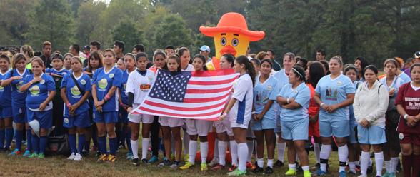 Varias compañías locales patrocinan este evento deportivo femenino