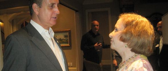 Sylvia Sánchez con el representante por Florida Mario Díaz-Balart