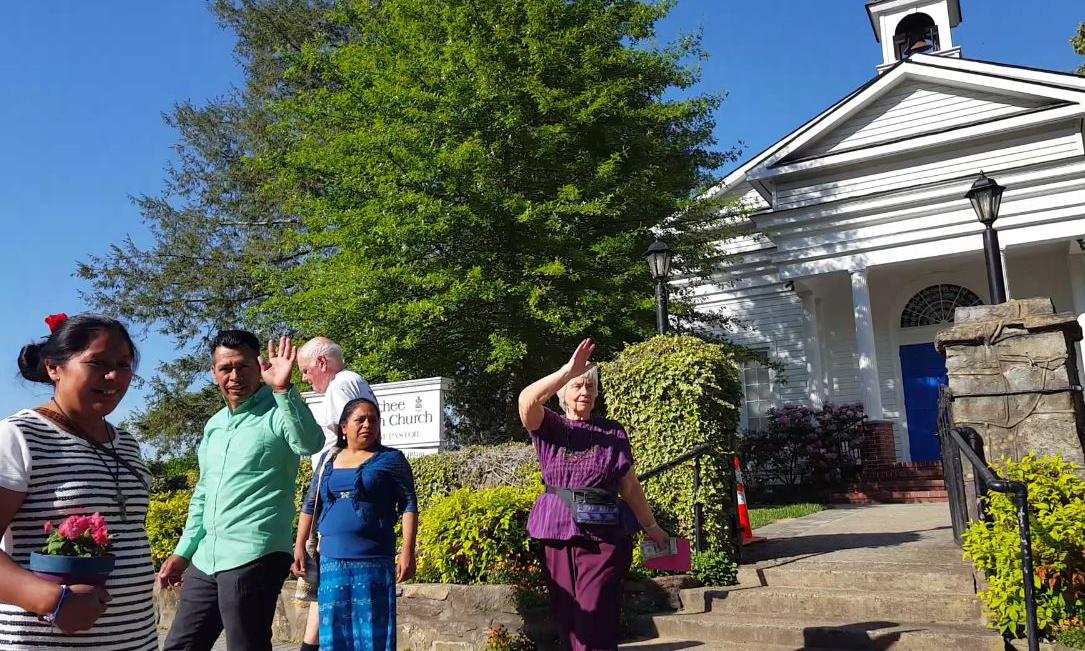 En el Convivio Latino de Nacoochee, las familias llegan a compartir cada mes experiencias y conocimientos
