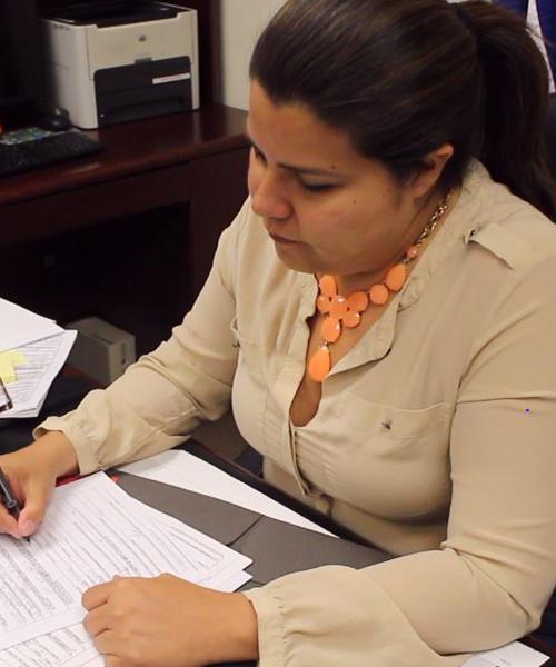 Claudia Valenzuela, cónsul de El Salvador