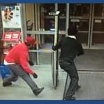 Policía busca identificar a responsables de 8 robos en Snelville