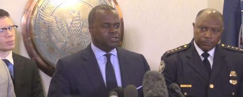 El alcalde Kasim Reed junto al jefe de policía de Atlanta