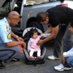 Los niños que viajan desabrochados están en riesgo