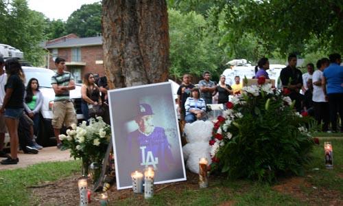 En los mismos apartamentos Bradford Ridge, fu asesinado el niños Steven Díaz en circunstancias similares a las de Pérez Hernández.